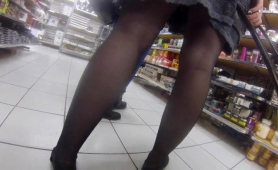 Voyeur Finds Elegant Ladies With Sexy Legs In A Public Place