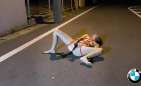 kinky-japanese-slut-fucks-her-juicy-cunt-to-pleasure-outside